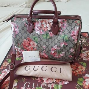 3dfbd4296d5f New authentic Gucci boston blooms bag medium siza